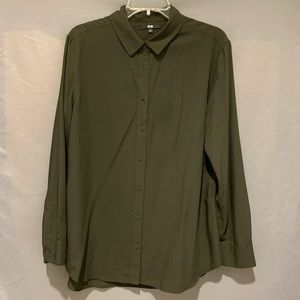 Uniqlo olive green rayon Long slv blouse